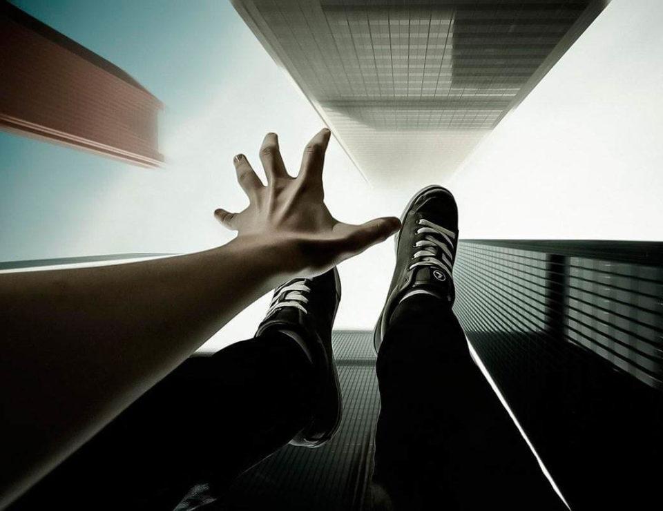 самоубийство предотвращает ИИ